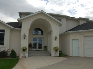 house entrance, bismarck nd